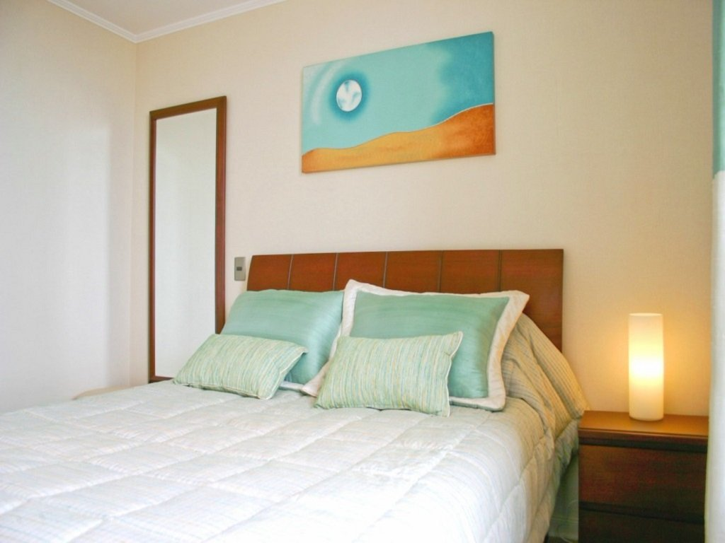 Lima-Apartment-rental-master-bedroom.